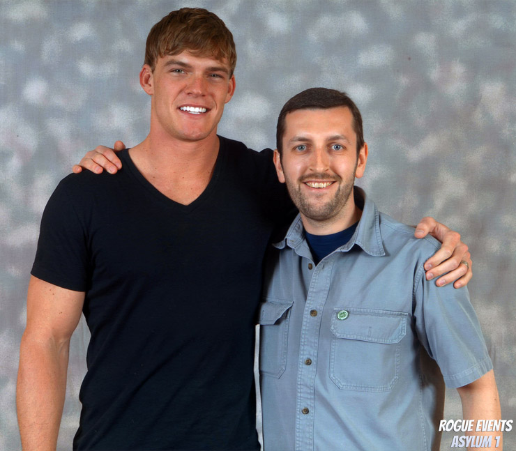 How tall is Alan Ritchson