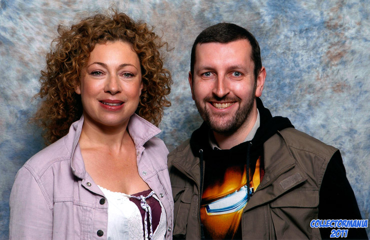 How tall is Alex Kingston