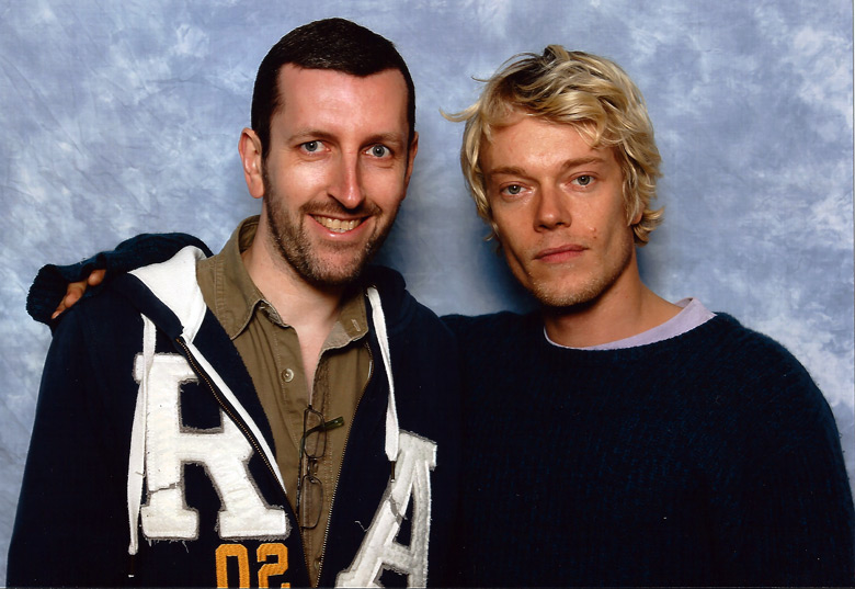 How tall is Alfie Allen