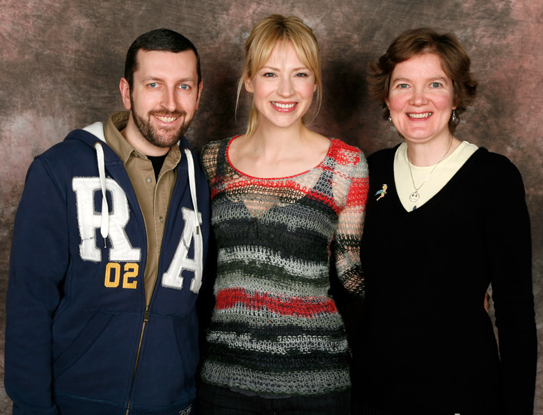 How tall is Beth Riesgraf