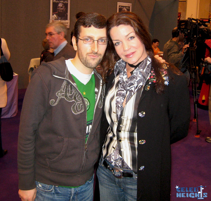 How tall is Claudia Christian