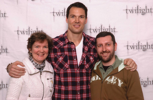 How tall is Daniel Cudmore