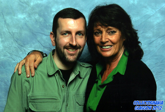 How tall is Sarah Douglas