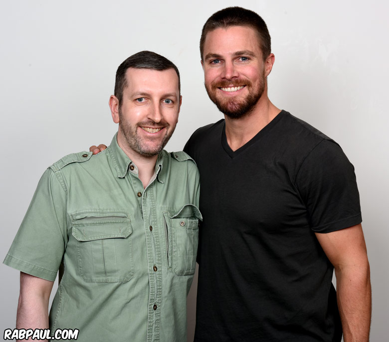 How tall is Stephen Amell