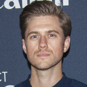 Height of Aaron Tveit