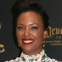 Height of Aisha Tyler