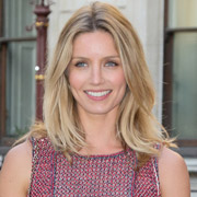 Height of Annabelle Wallis