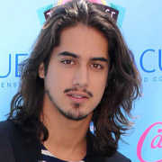 Height of Avan Jogia