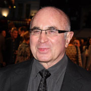 Height of Bob Hoskins