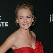 Height of Britt Robertson