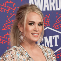 Height of Carrie Underwood