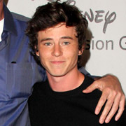 Height of Charlie McDermott