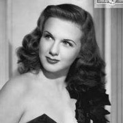 Height of Deanna Durbin