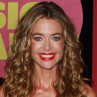 Height of Denise Richards