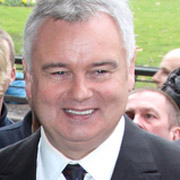 Height of Eamonn Holmes