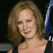 Height of Elizabeth Perkins