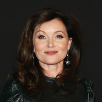 Height of Essie Davis