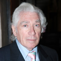 Height of Frank Finlay