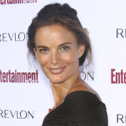 Height of Gabrielle Anwar
