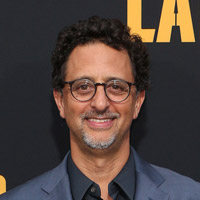 Height of Grant Heslov