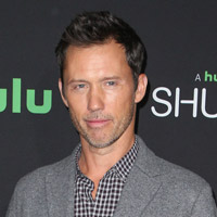 Height of Jeffrey Donovan