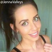 Height of Jenna Jonathan