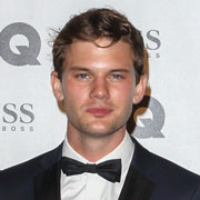 Height of Jeremy Irvine