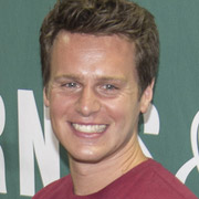 Height of Jonathan Groff
