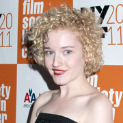 Height of Julia Garner