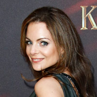 Height of Kimberly Williams Paisley