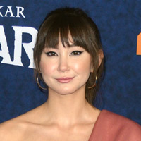 Height of Kimiko Glenn