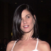 Height of Linda Fiorentino