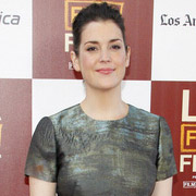 Height of Melanie Lynskey