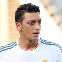 Height of Mesut Ozil