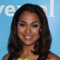 Height of Monica Raymund