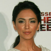 Height of Nazanin Boniadi