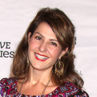 Height of Nia Vardalos