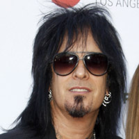 Height of Nikki Sixx