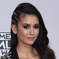 Height of Nina Dobrev