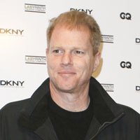 Height of Noah Emmerich