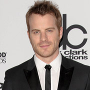 Height of Robert Kazinsky