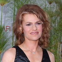Height of Sandra Bernhard