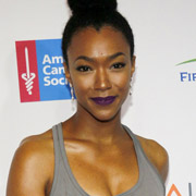 Height of Sonequa Martin Green
