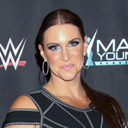 Height of Stephanie McMahon