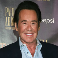 Height of Wayne Newton