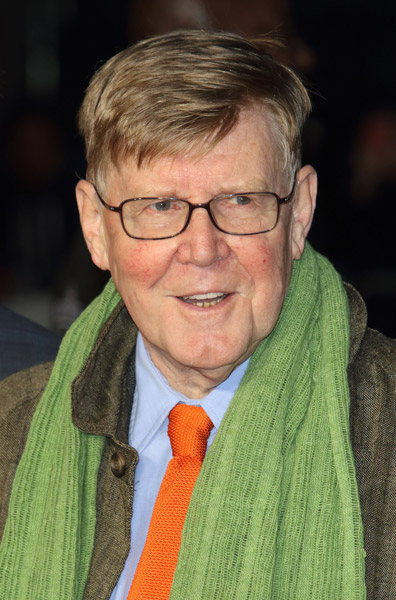 How tall is Alan Bennett