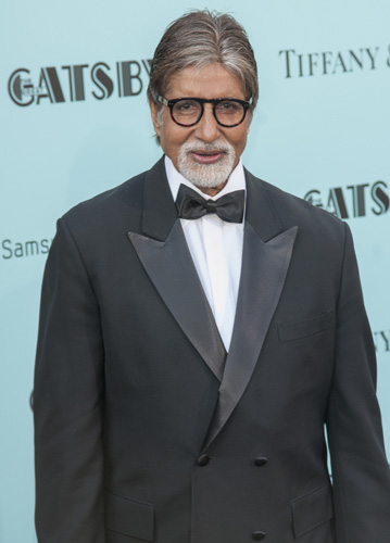 How tall is Amitabh Bachchan