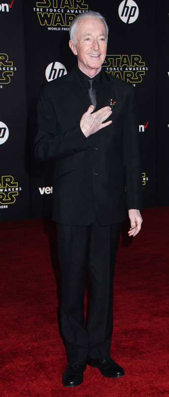 How tall is Anthony Daniels