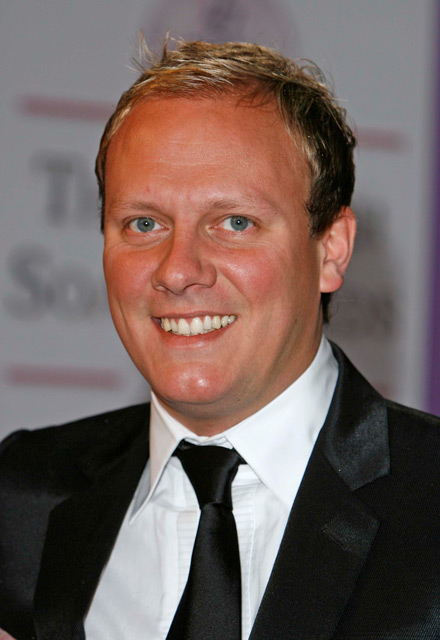 How tall is Antony Cotton