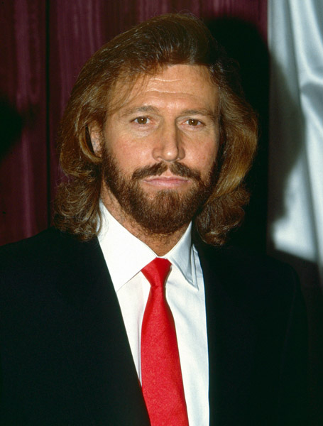 How tall is Barry Gibb